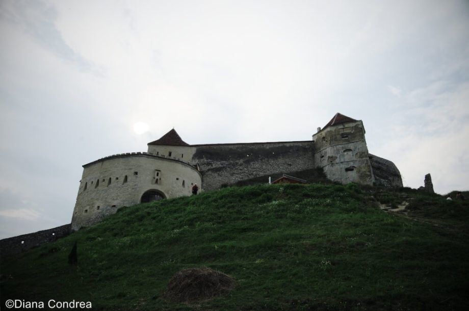 rasnov-fortress-towers