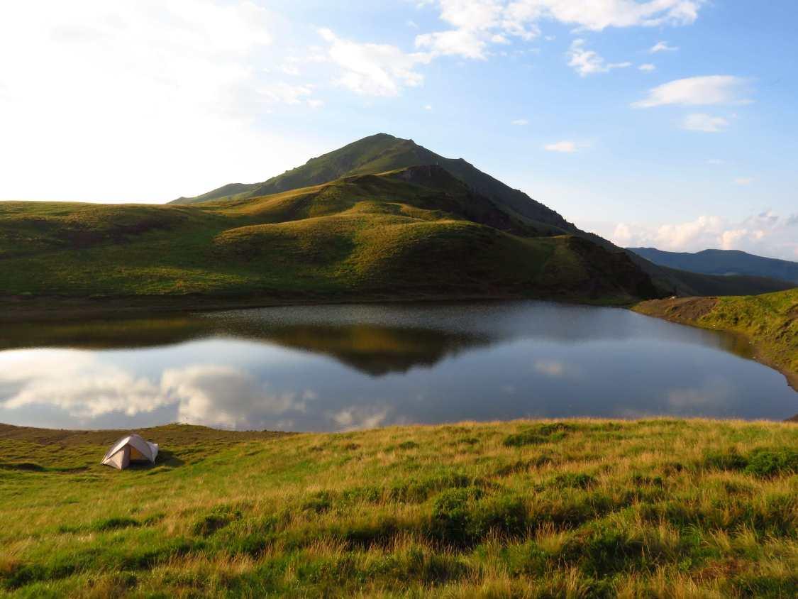 Vinderel Lake
